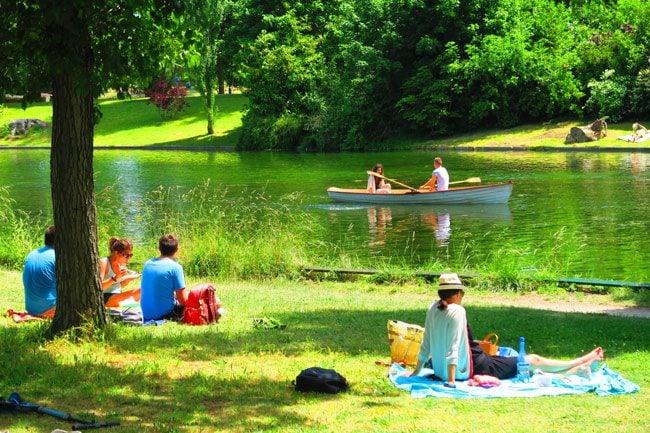 Bois de Boulogne Paris romantic park
