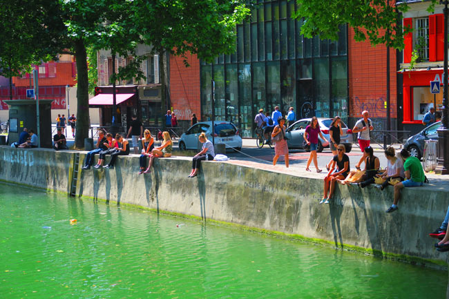 Canal Saint Martin eastern Paris chilling