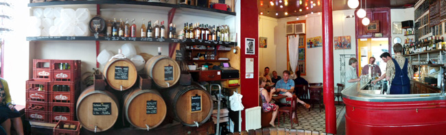 Le Baron Rouge paris wine bar bastille - panormaic