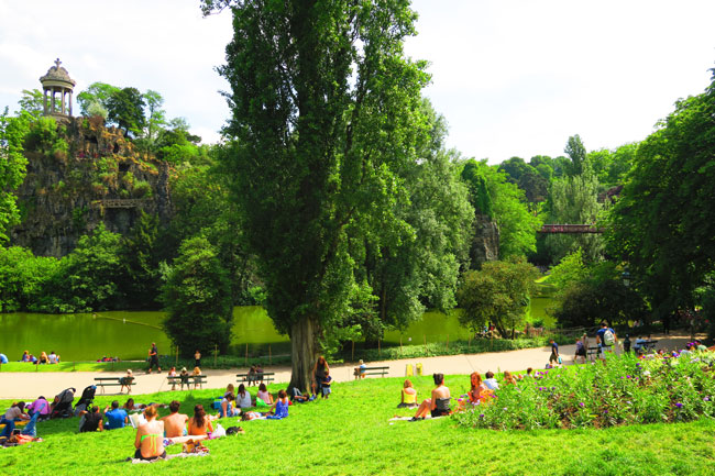 Parc des Buttes-Chaumont east paris