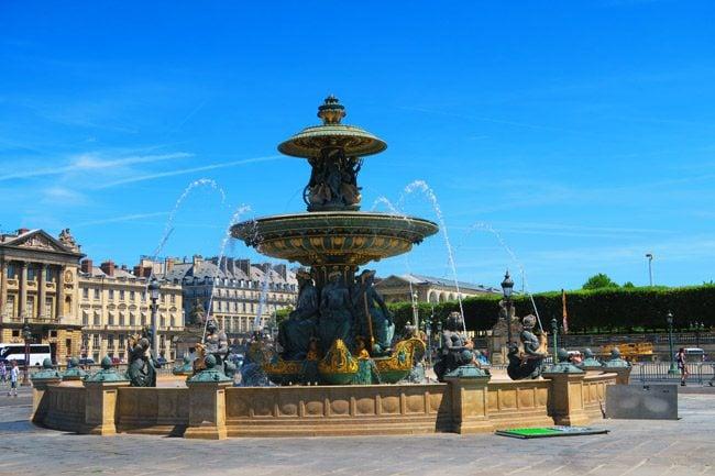Place de la Concorde Paris fountain