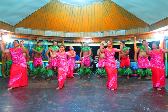 Lalomanu Beach traditional Polynesian dance