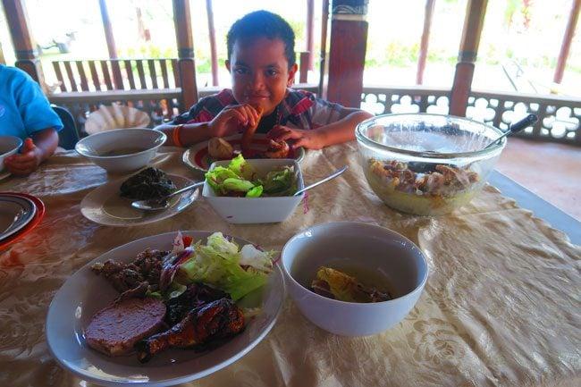 Making Umu in Samoa lunchtime