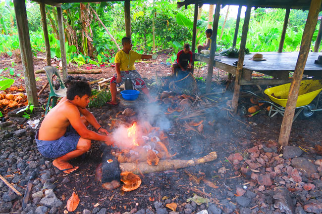 Making Umu in Samoa making fire