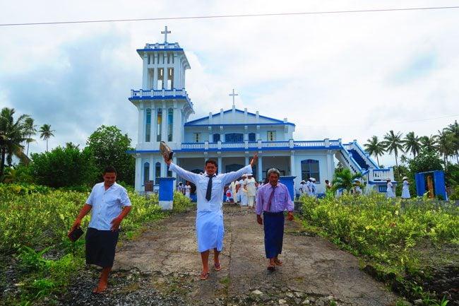 Savaia sunday church samoa