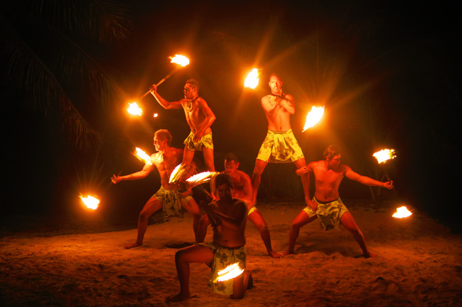 Island Night in Aitutaki Tamanu Beach Polynesian fire show 3