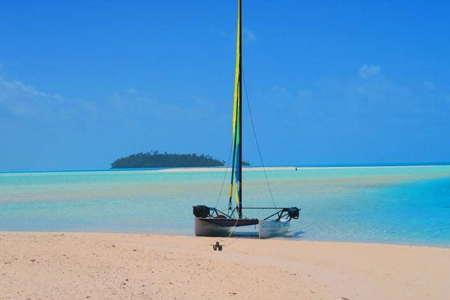 One Foot Island Aitutaki lagoon Cook Islands catamaran