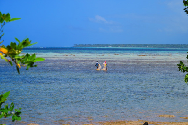 Sleepy Village Savaii Samoa - fishing