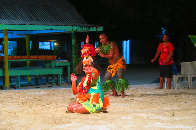 Tanu beach fales manase savaii traditional dance