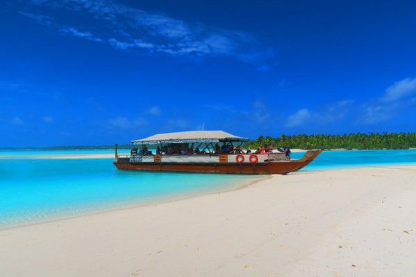The Vaka Cruise Aitutaki lagoon cook islands boat