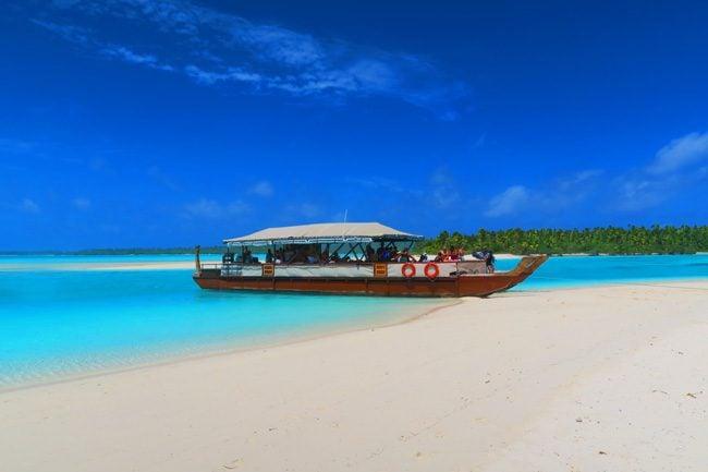 The Vaka Cruise Aitutaki lagoon cook islands boat