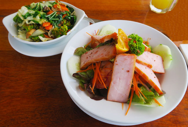 Food in Rarotonga Cook Islands trader jacks smoked marlin salad