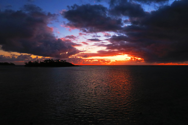 Muri Beach Cottages Rarotonga Cook Islands sunrise