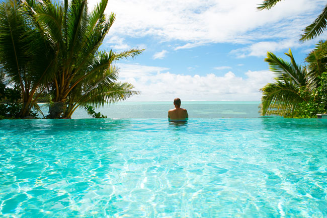 Te Vakaroa luxury Villas Rarotonga Cook Islands infinity pool