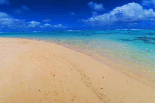 Titikaveka tropical beach Rarotonga Cook Islands sand dune