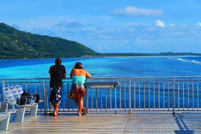 Ferry from Moorea to Tahiti onlookers