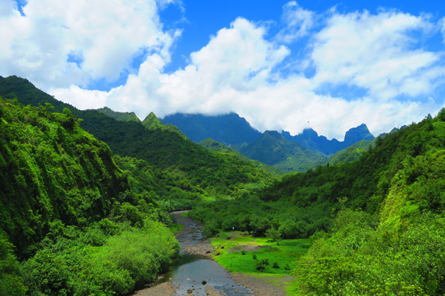Papenoo Valley tahiti panoramic view