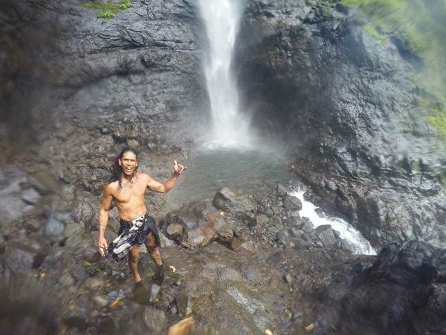 Papenoo valley tahiti Topatari Waterfall