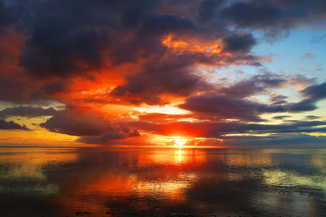 Sunset In Moorea French Polynesia 2 X Days In Y