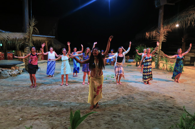 Tiki Village Moorea learning to dance women