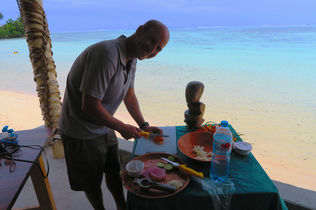 Tiki Village Moorea making poisson cru