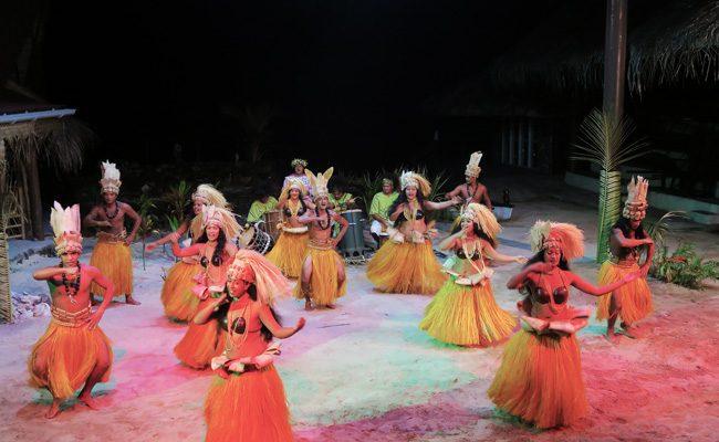 Tiki Village Moorea traditional polynesian dance