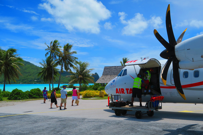 Airport in Maupiti French Polynesia getting off air tahiti flight