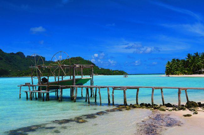 Motu Auira Maupiti French Polynesia boat