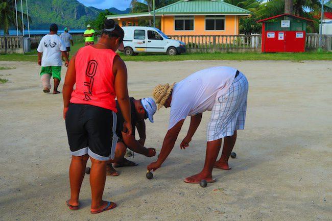 petanque Huahine Island French Polynesia measuring