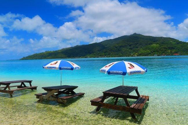 picnic motu lunch lagoon tour Huahine Island French Polynesia