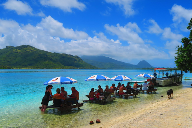 picnic on motu lagoon tour Huahine Island French Polynesia