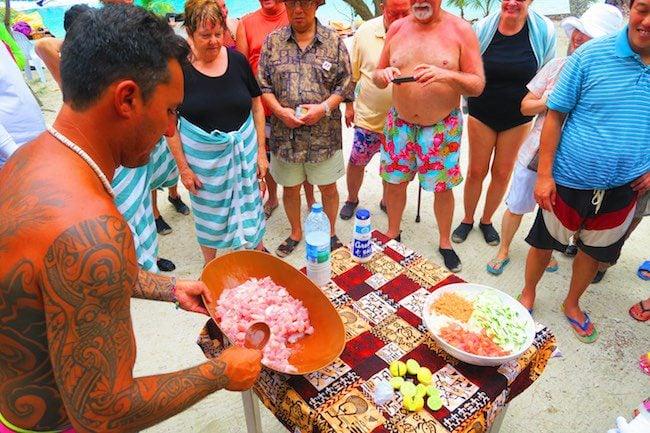 Moorea lagoon tour picnic motu