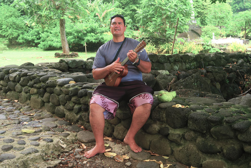 Pifa tour guide Hiva Oa Marquesas Islands French Polynesia