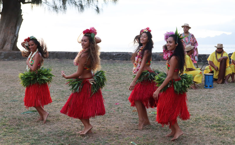 Tahitian Dancing - French Polynesia 2