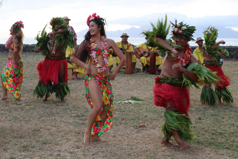 Tahitian Dancing - French Polynesia 3