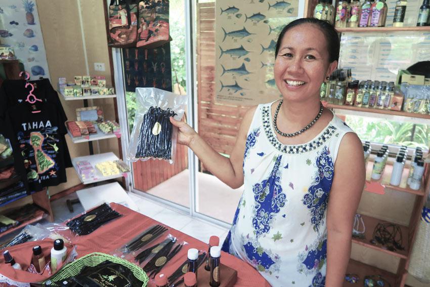 buying vanilla in Tahaa French Polynesia