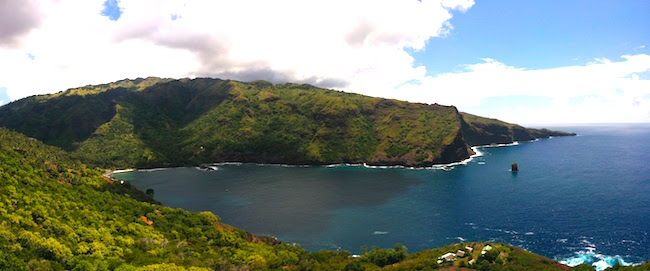 hiva oa travel guide - panoramic view of Hanaiapa Bay