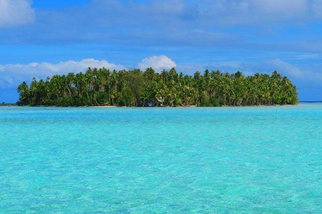 lagoon motu tahaa island french polynesia