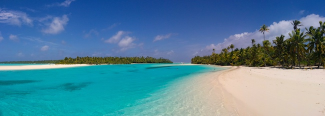 Cook islands travel guide - one foot island aitutaki lagoon panoramic view