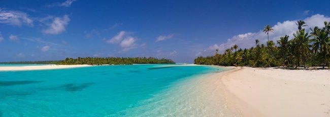 Cook islands travel guide - one foot island aitutaki lagoon panoramic view