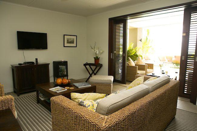 Te Vakaroa luxury villas rarotonga - living room exterior view
