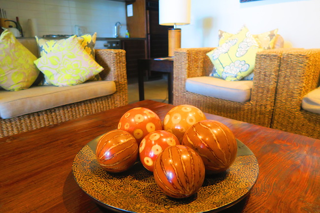 Te Vakaroa luxury villas rarotonga - table with decorations