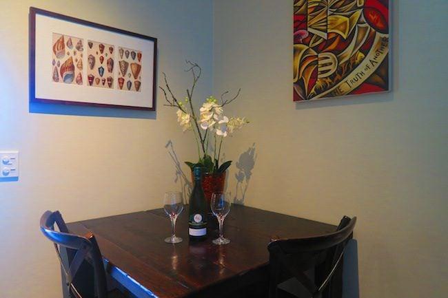 Te Vakaroa luxury villas rarotonga - table with wine