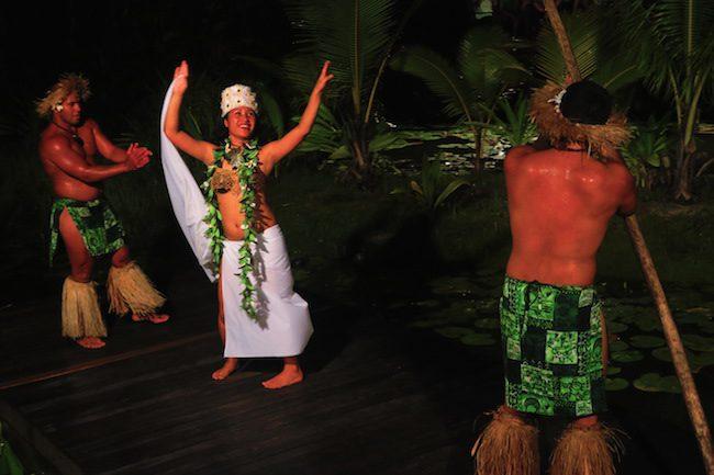 Te Vara Nui Village Rarotonga - island night show dancers