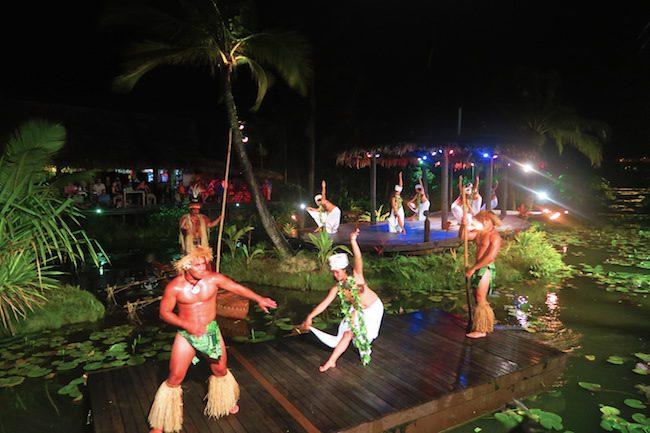 Te Vara Nui Village Rarotonga - island night show dancers2