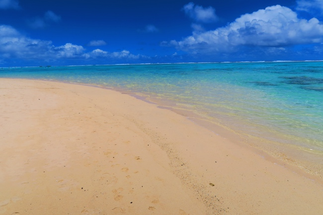 Titikaveka tropical beach rarotonga cook islands