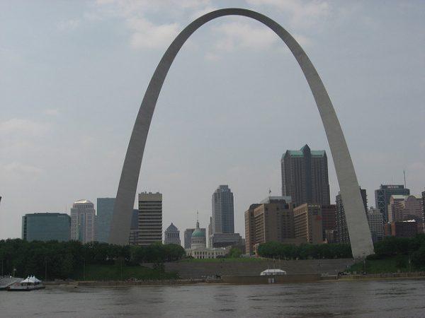 st louis skyline arch IllinoisHorseSoldr