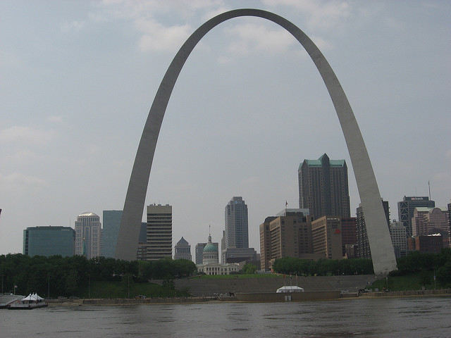 st louis skyline arch IllinoisHorseSoldr