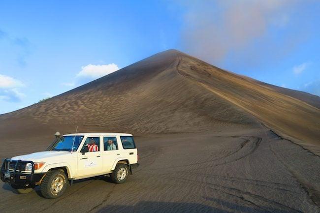 Tour Of Mount Yasur Volcano - Tanna Island Vanuatu