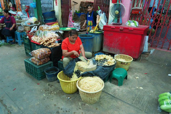 bangkok-flower-market-vegetable-section